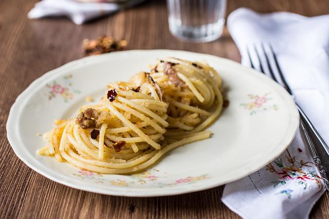 Pasta con la mollica calabrese