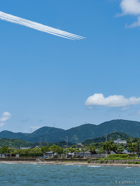 Blue Impulse's rehearsal flight for the 410th anniv. of Hikone Castle (10) Swan Low Pass