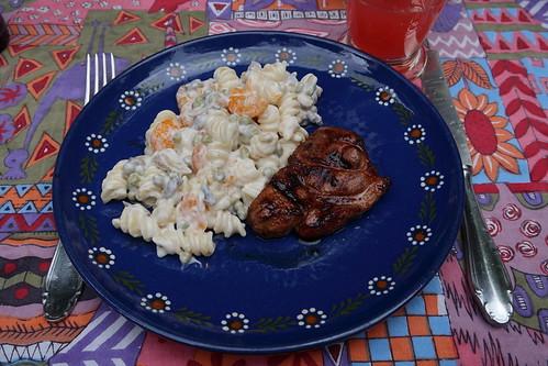 Schweinesteak (vom Frecklinghof) mit Nudelsalat