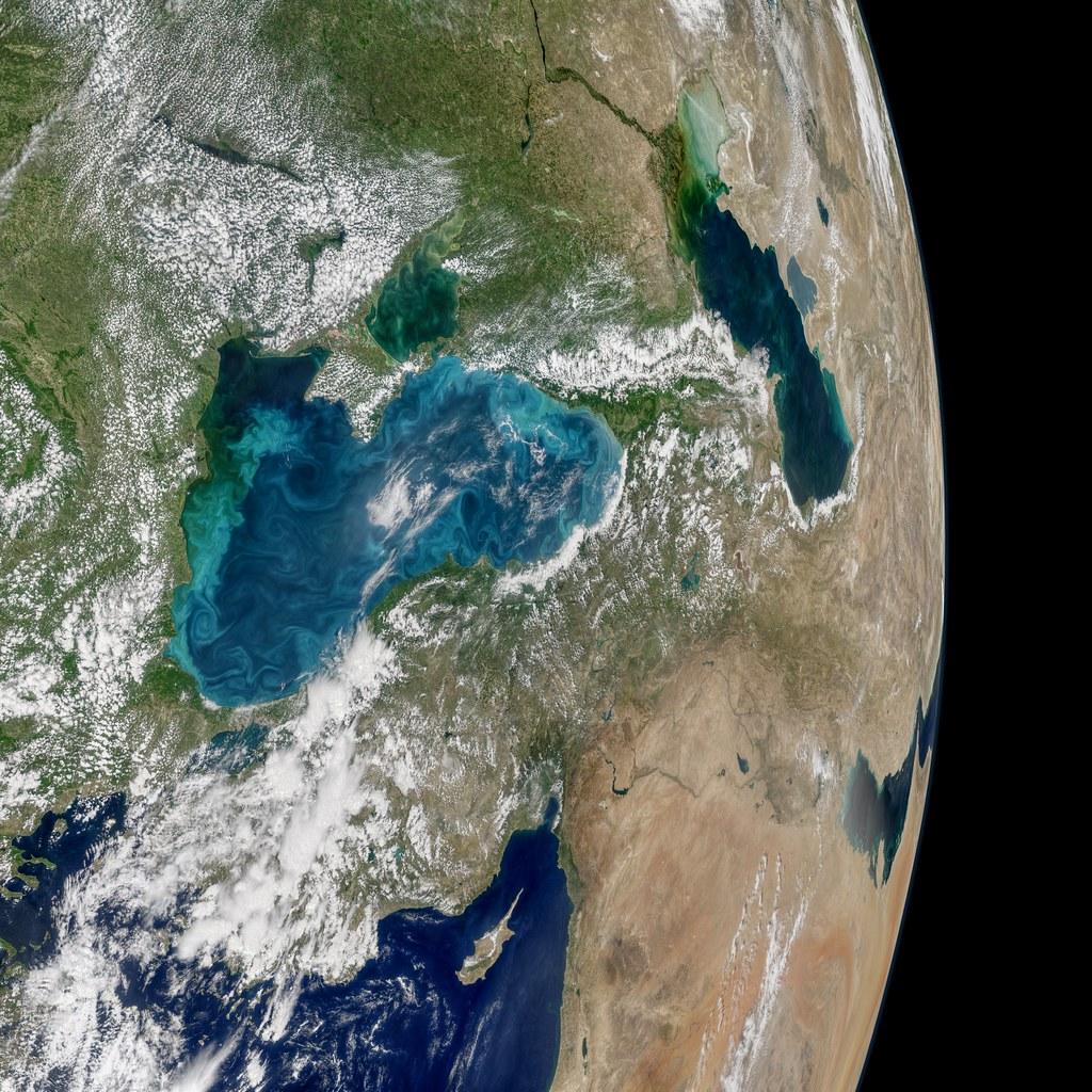 黑海變色的景象。圖片來源:Norman Kuring, NASA's Ocean Biology Processing Group.