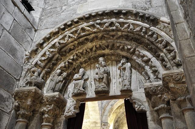 Santiago de Compostela, katedrála, portál kaple Santa Maria la Antigua de la Corticela