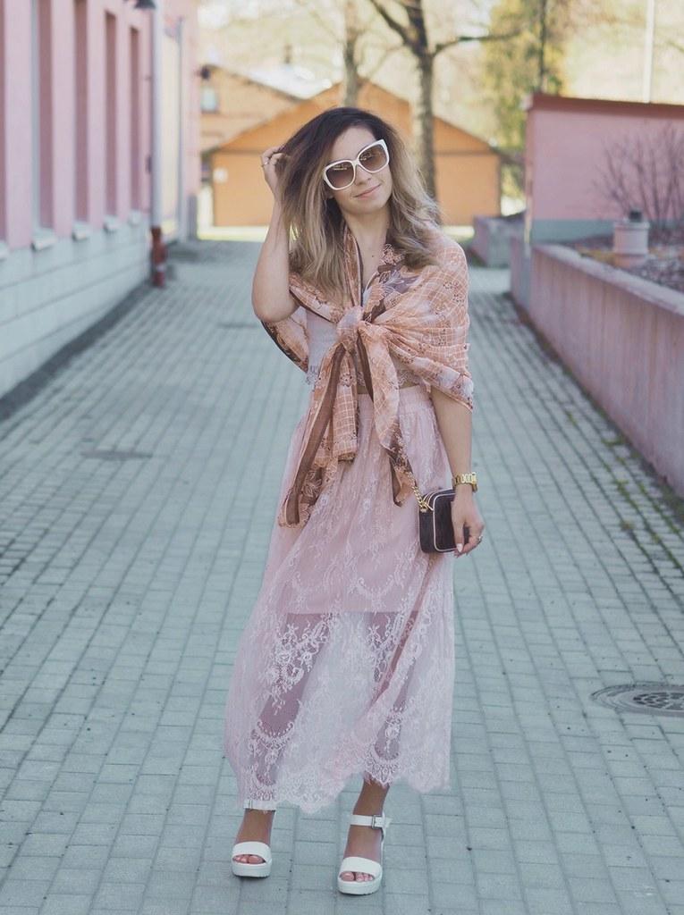 kesä-asu-outfit-summer-bikbok-dinsko