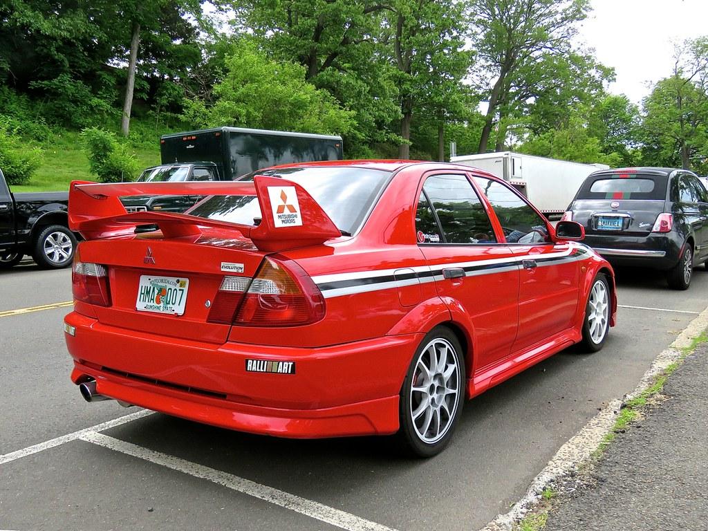 Mitsubishi Lancer Evolution XI 2