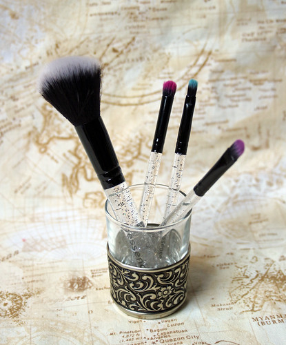 essence - little brush set