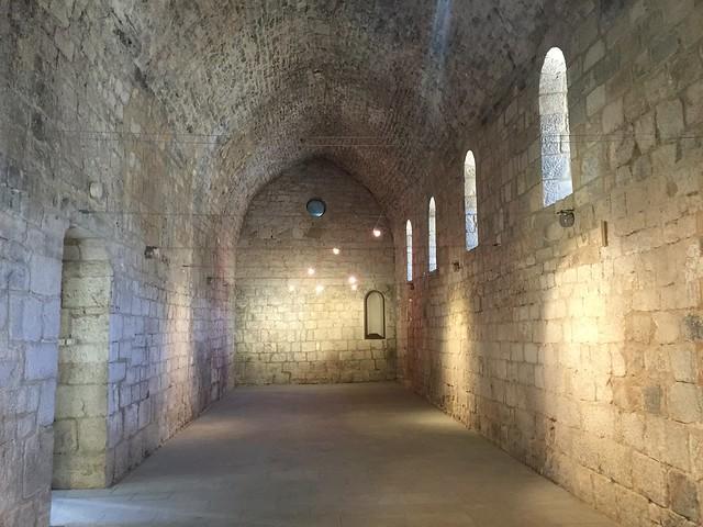 Dependencias del Monasterio de Santa María de Vilabertrán (Alto Ampurdán, Girona)
