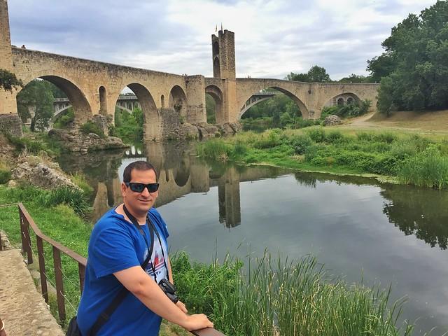 Sele en Besalú, el pueblo medieval más famoso de La Garrotxa