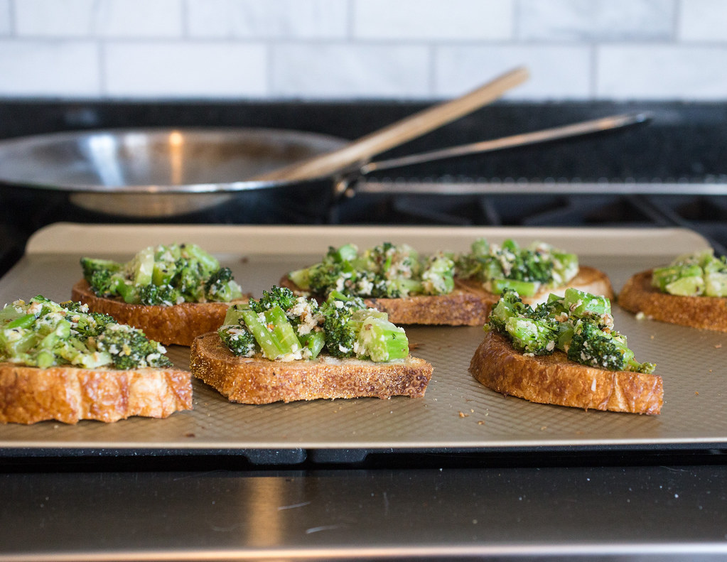 Quick and Easy Broccoli Melts