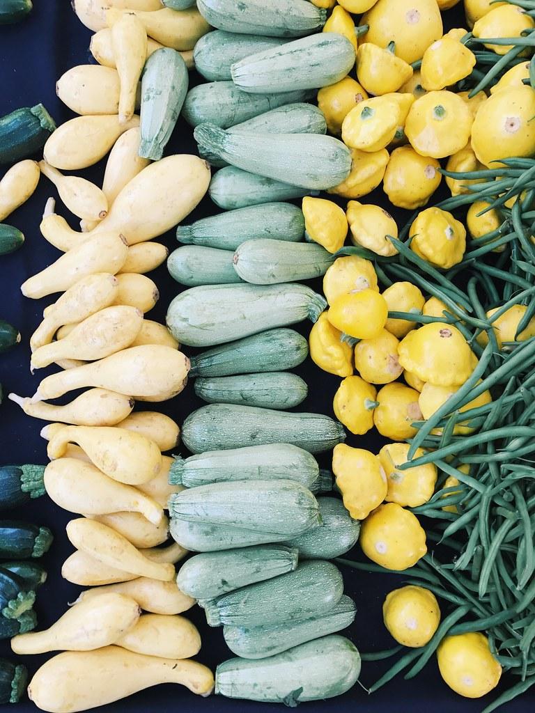 summer squash color.   south pasadena farmers market.   howard-f ...