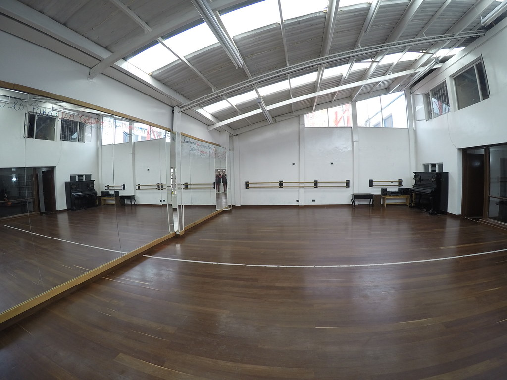 Espacio para alquilar - Salón 1er piso - Area: 10x9.5 mts
