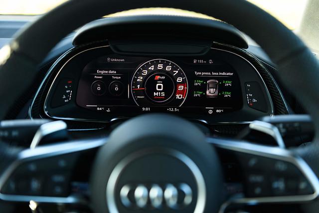 Wirtualny kokpit Audi R8