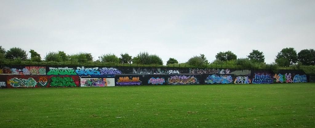 Sevenoaks Park street art, Cardiff