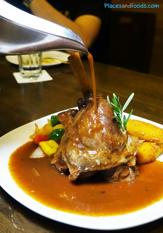 brotzeit lamb shank