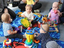 baby-play_group_at-pequot_library
