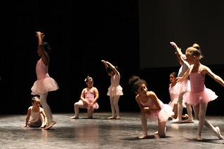 Fiesta de Fin de Curso de Bailes de la Flor