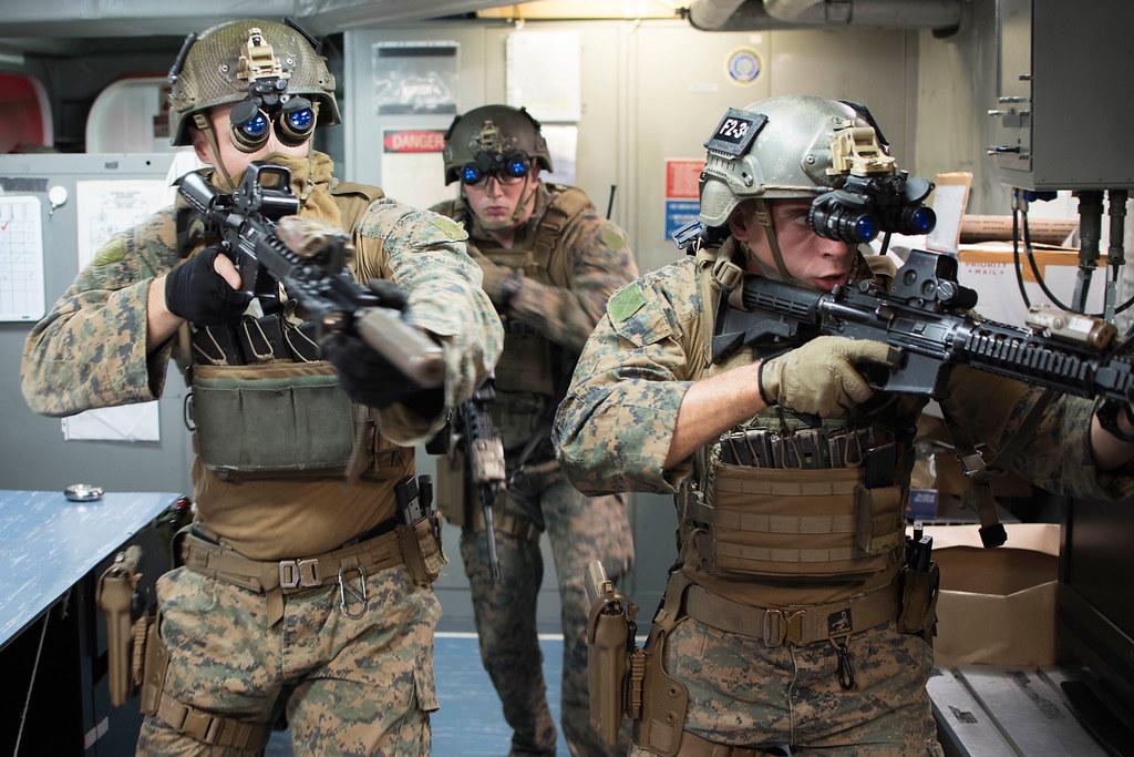 31st Meu Marines Practice Vbss Aboard Uss Bonhomme Richard