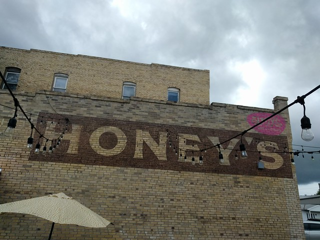 Honey's, Smithville, TX
