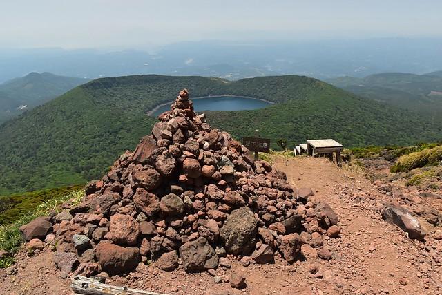 韓国岳のケルン