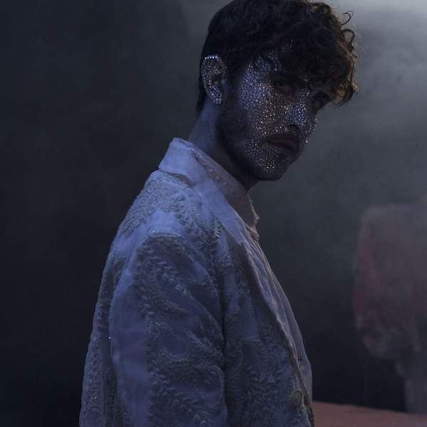 Oscar And The Wolf - Breathing