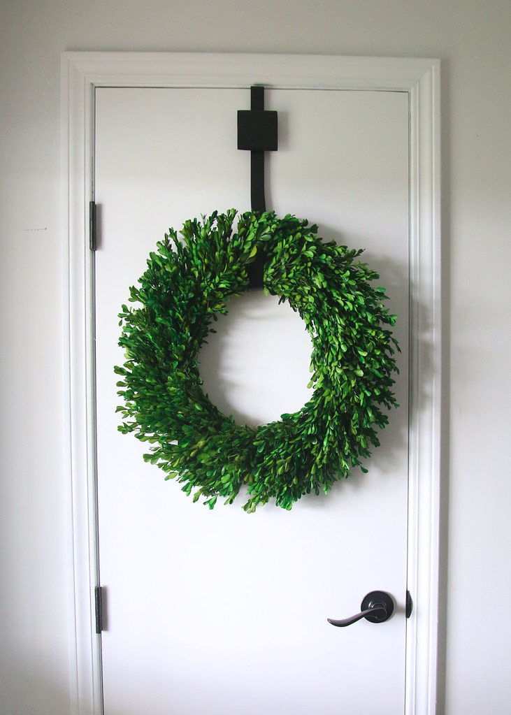 Boxwood Wreath Decor Farmhouse Entry