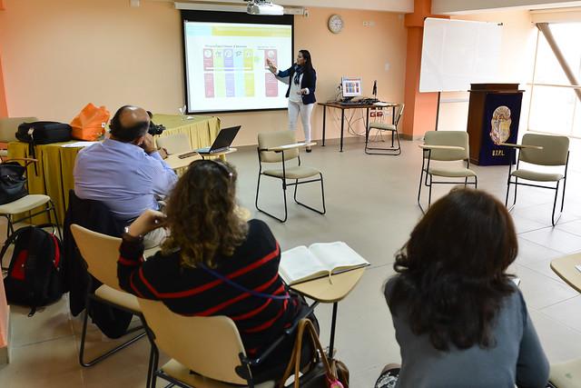 Capacitación de la ONG Aldeas SOS a docentes del Área Sociohumanística