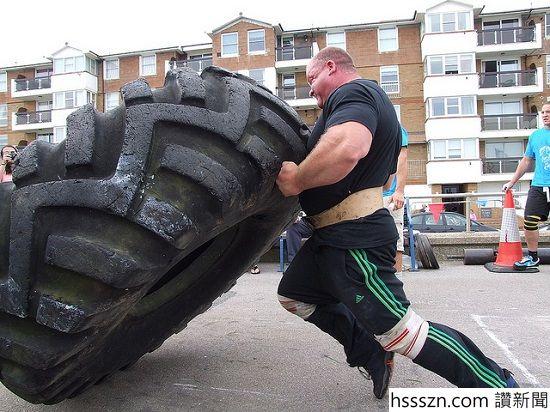 Dennis-Rogers-strongman_550_412