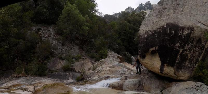 Dans la descente, au départ du canyoning (photo Olivier Hespel)