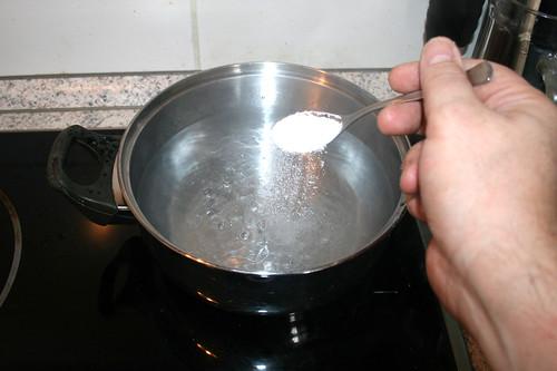 24 - Wasser salzen / Salt water