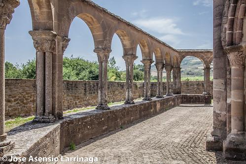 Iglesia de Santa María de Eunate - Muruzábal - 2017 #DePaseoConLarri #Flickr -265