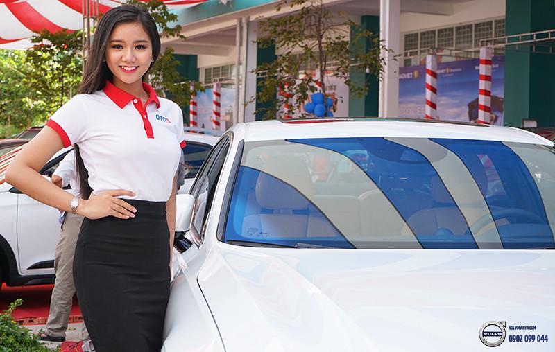 Hinh-07-Volvo-viet-nam-tham-du-hoi-cho-xe-lon-nhat-dong-bang-song-cuu-long