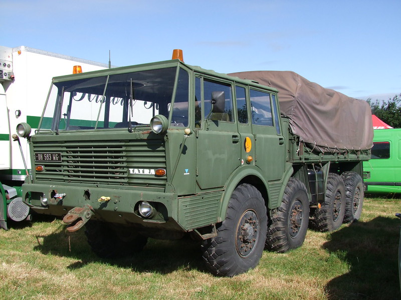 Rassemblement de camions anciens en Normandie 35491338456_b706229523_c