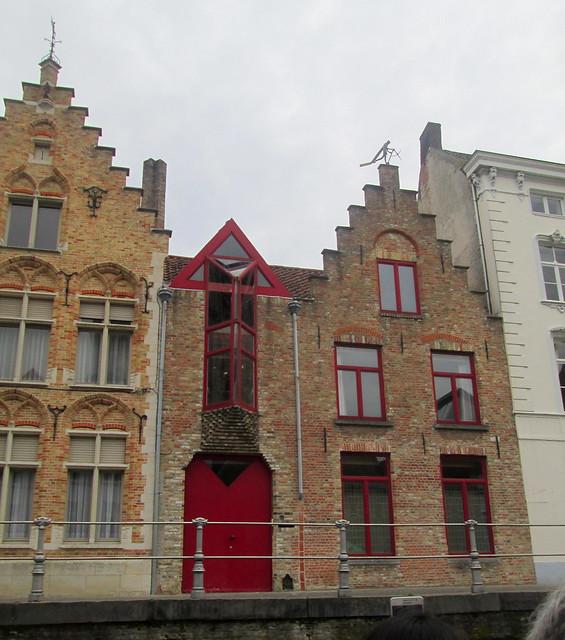Canalside House + Weathervane, Bruges
