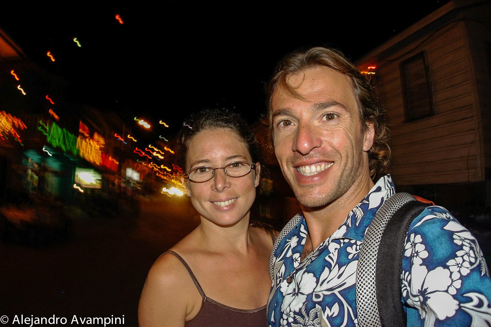 Con Cecilia en la Noche de Ambergris - Belice
