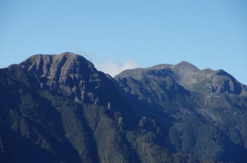 清晰的雪山圈谷!