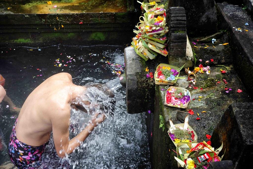 Bali - Ubud - Tirta Empul - Flo