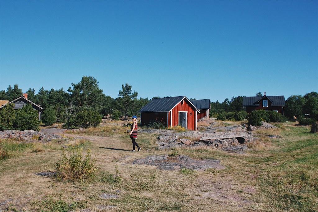 Majoitus Ahvenamaalla punaisessa mökissä.