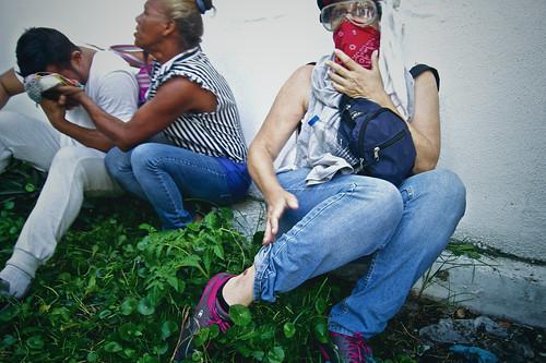 GNB reprime a manifestantes en la Plaza Francia de Altamira #14Jun — FOTOS