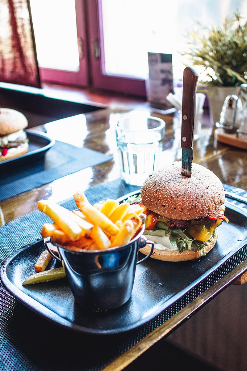 bistro-liekki-burger