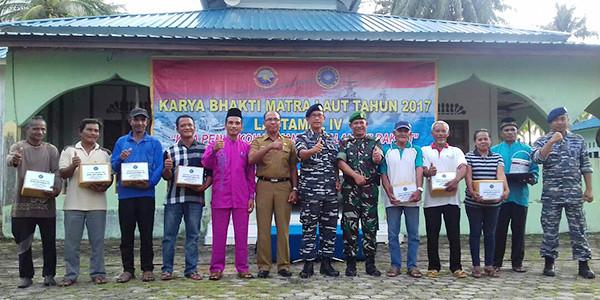 Dispotmar Lantamal IV bersama masyarakat Pengudang, Kabupaten Bintan