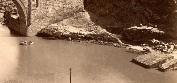 Puente de Alcántara en 1897. Fotografía de Rafael Garzón