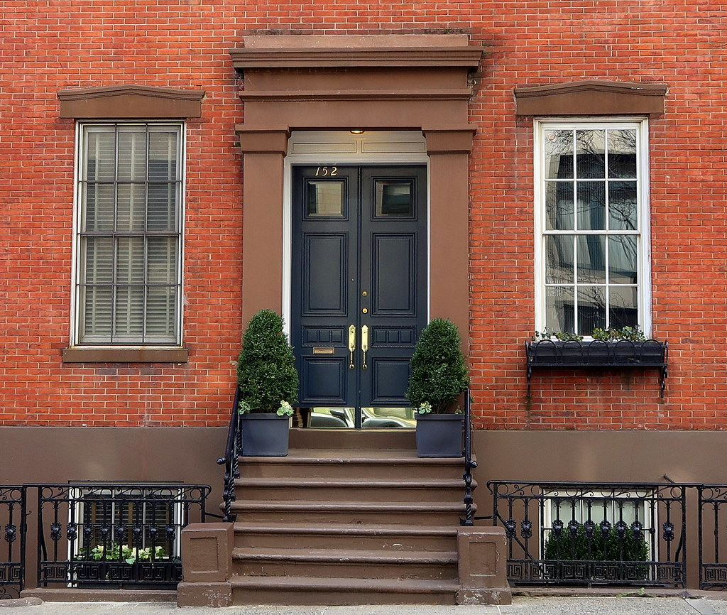 Waverly Place Townhouse: Close Neighbors: 152-154 Waverly Place (1839), Greenwich V