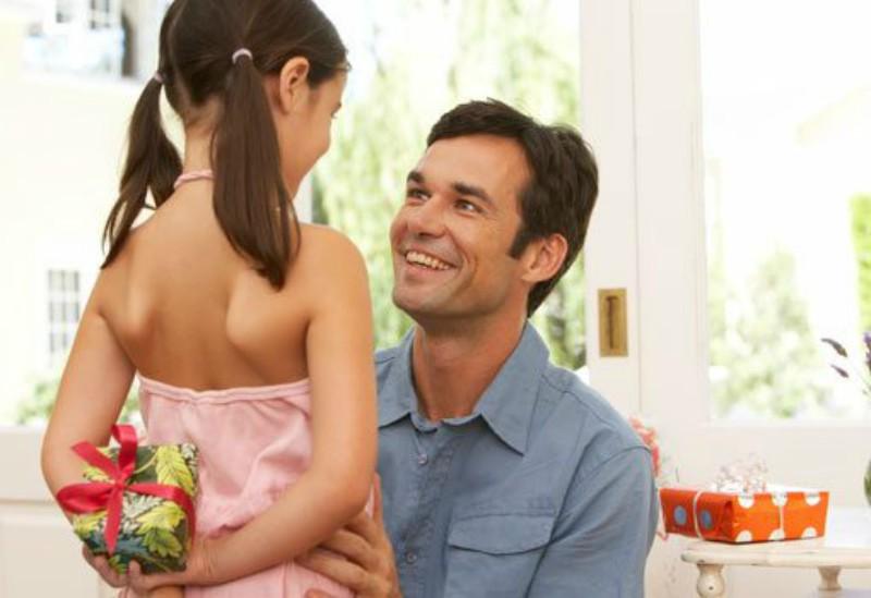 Consejos antes de comprar un regalo para Papá en su día