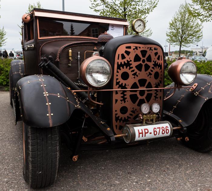 Lahti Helaride autonäyttely