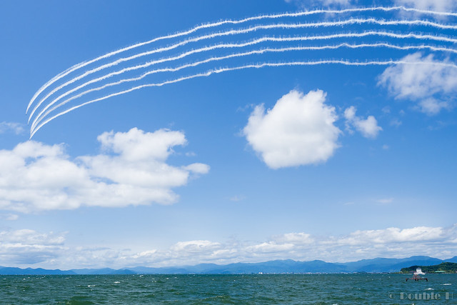 Blue Impulse's rehearsal flight for the 410th anniv. of Hikone Castle (38) Change Over Turn
