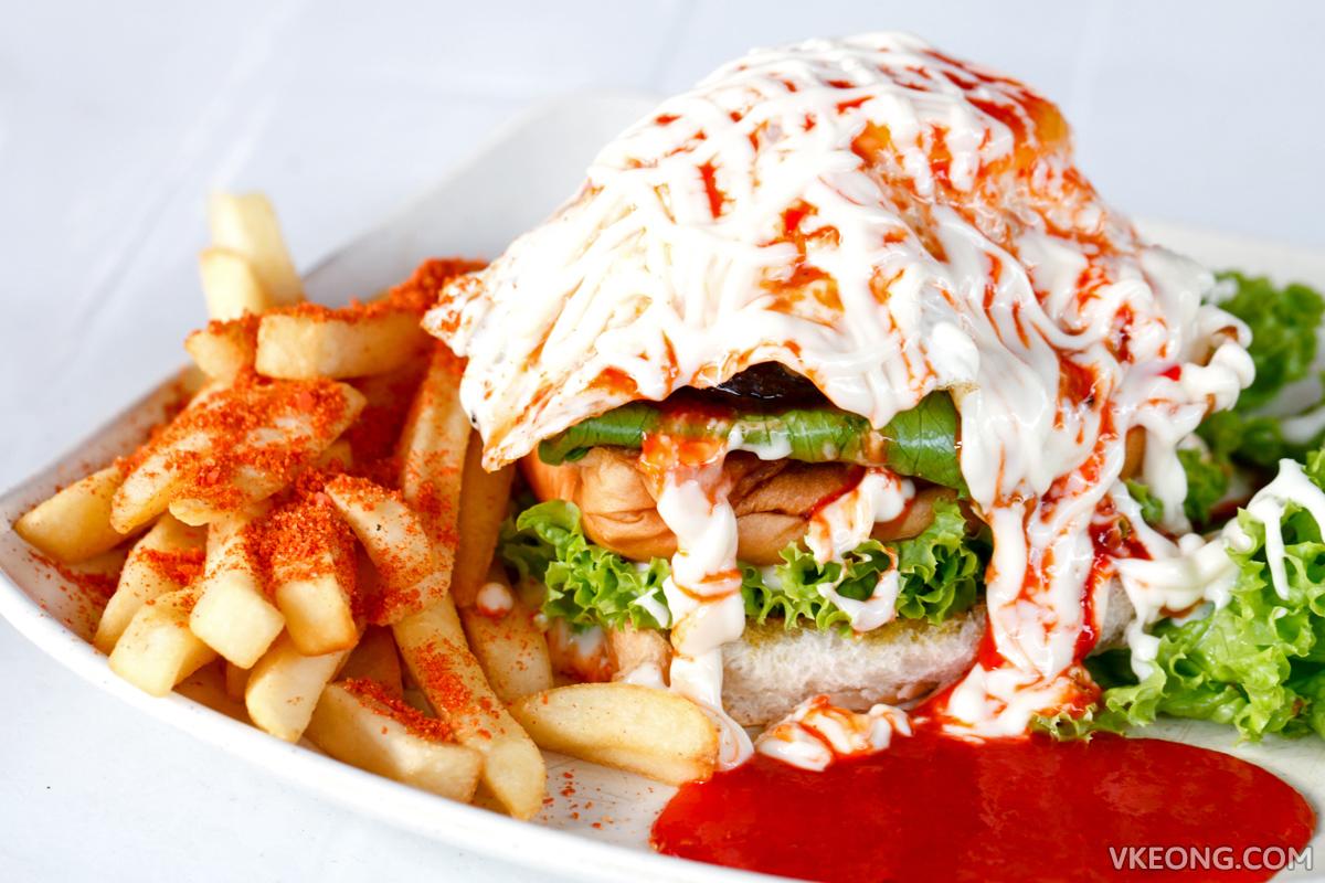 De Pauh Garden DPG Cheese Burger Special