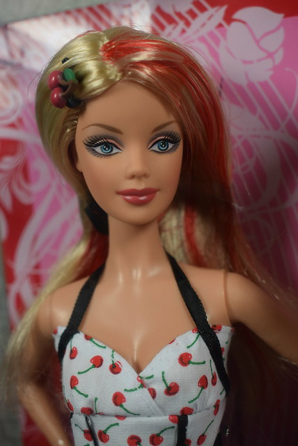 2007 Barbie Top Model Hair Wear Barbie M5794 (6)