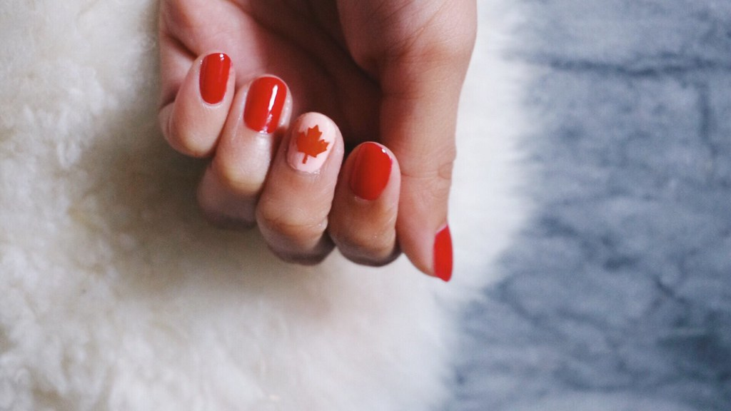Canada day nails girl vanity how to use vinyl nail stencils solutioingenieria Choice Image