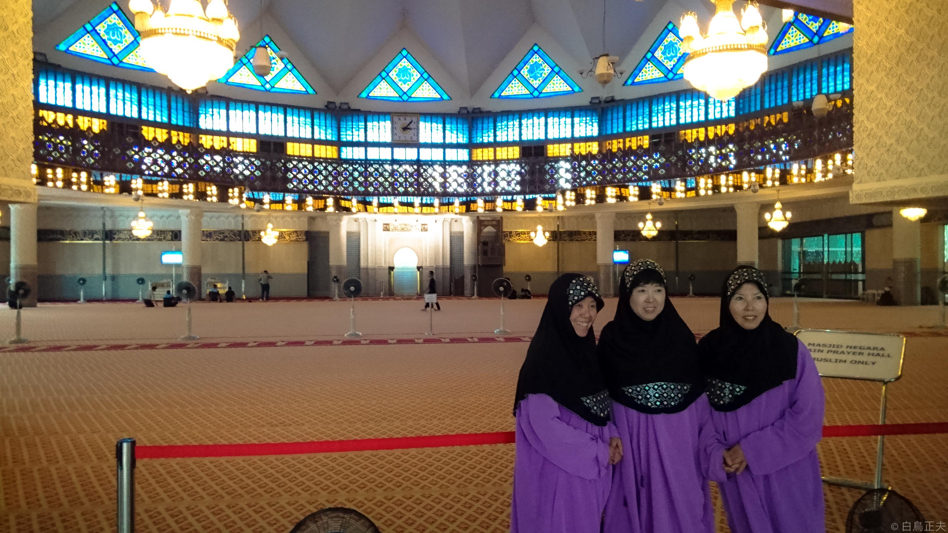 8000人が入れる国立モスク