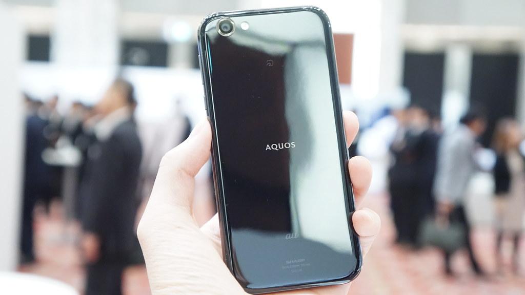 2年間のOSアップデート保証付き、新フラグシップモデル「AQUOS R」