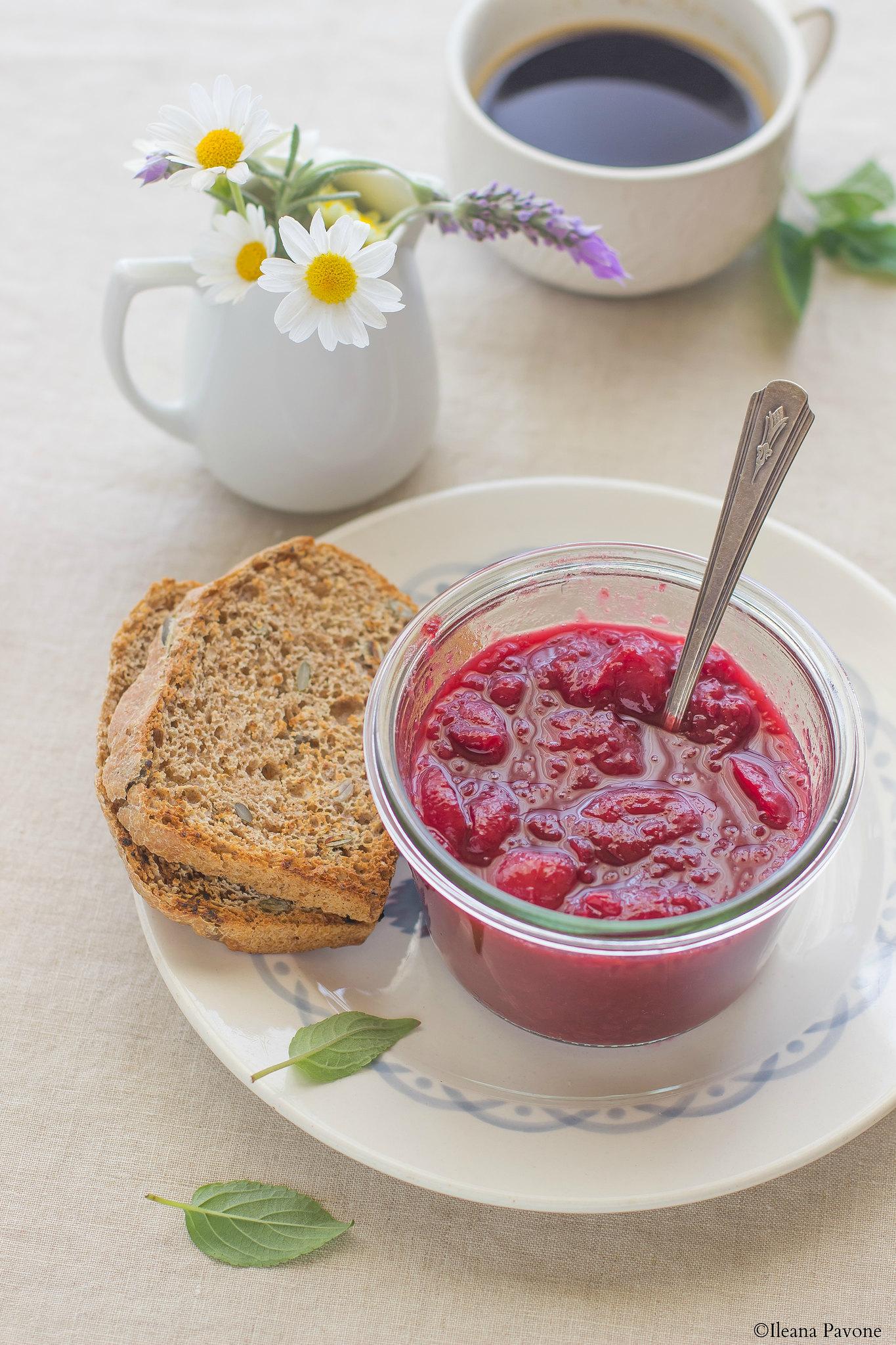 Come preparare la confettura di ciliegie senza zuccheri aggiunti