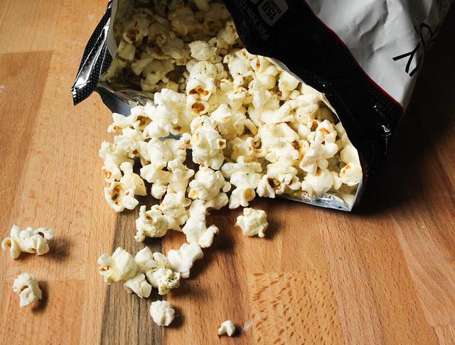 Product Review Skinny Pop Popcorn: Sea Salt & Pepper